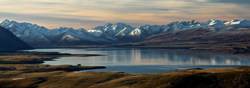 Lake Tekapo shot with mountains in the backdrop