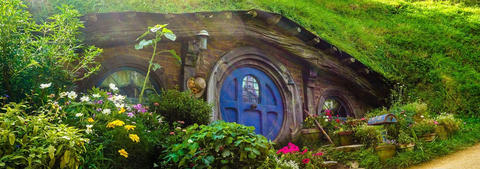 Blue door at the Hobbiton Shire